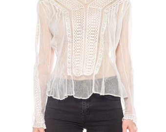Net And Lace V-neck Top Size: 6