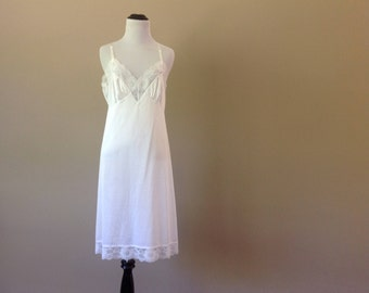 36 / Full Slip / Dress / White Nylon with Lace / Vintage Shapewear Lingerie / FREE USA Shipping