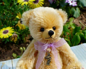 Artist bear, cute 5 inch mohair bear Millie