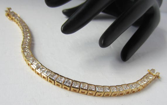 Square cut CRYSTAL, gold tone line BRACELET ~lovely, sophisticated, designer quality vintage costume jewelry
