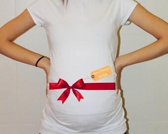 Christmas Maternity. Christmas Pregnancy Announcement. Christmas Maternity Shirt. Maternity Christmas Shirt. Best Present Ever Shirt Gift