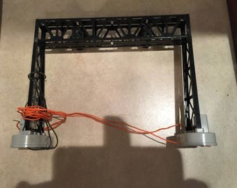 Lionel Model Train N0. 450 Operating Signal Bridge and Operating Instructions