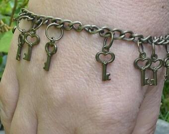 Unique keys steampunk charm bracelet