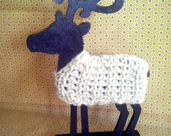 Decorative deer in wood and wool
