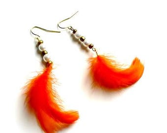 Orange feather and pearl beads earring