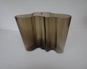 Alvar Aalto 'Savoy' glass vase for Iitala. Large size. Finland