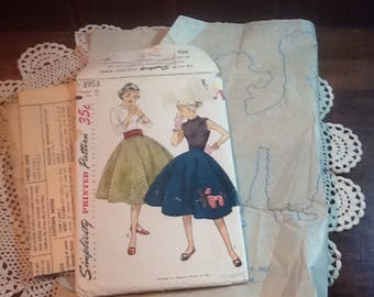 Vintage, Poodle Skirt Poodle transfer,  Partial Pattern, missing the round skirt pattern piece. Simplicity 3953