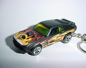 3D 1969 Ford Mustang Mach 1 custom keychain by Brian Thornton keyring key chain finished in black/flames color trim diecast metal body