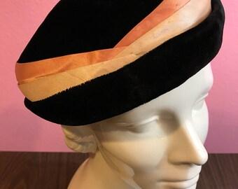 Vintage 1950s Hat - Black Velvet Ladies Formal Hat w Peach Satin Hatband