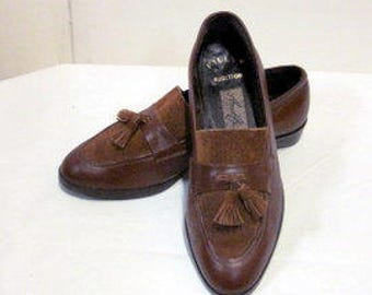 sz 6 b vintage walking shoes, brown italian suede and  leather loafers