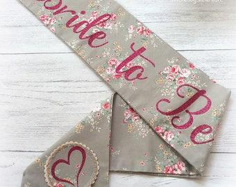 Bride to Be sash vintage floral Script hen party accessories