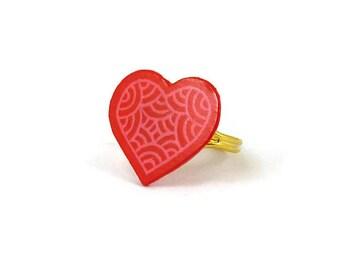 Bague réglable coeur rose framboise aux volutes roses pâles, bague fantaisie éco-responsable en plastique peint (CD recyclé), Saint Valentin