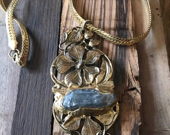 Quartz Buckle Necklace