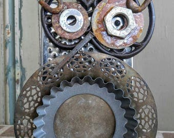 Grater owl free standing piece