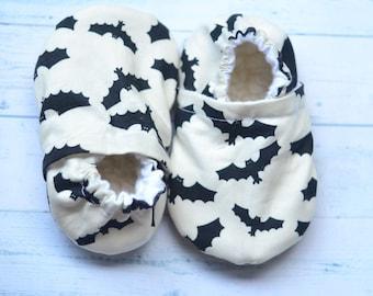 bat baby shoes bat booties halloween baby shoes halloween booties monochrome baby shoes monochrome booties for baby black white baby shoes