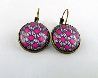 """""""Wax pink diamond"""" Stud Earrings cabochon and bronze"""