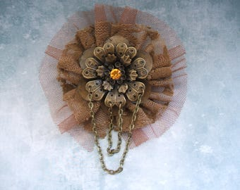 Steampunk brooch with flower