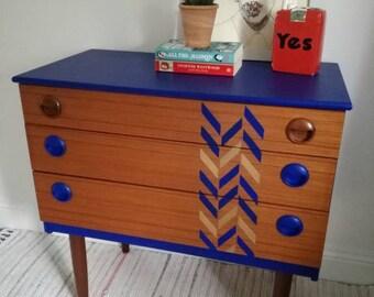 Vintage retro Midcentury chest of drawers