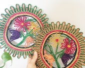 Vintage set of 2 floral woven traw teivets/ wall hanging baskets/ colorful trivets/ boho hanging baskets