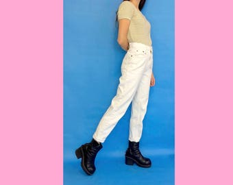 Vintage 90s Y2k High Waisted White Denim Tapered Mom Jeans Size 4