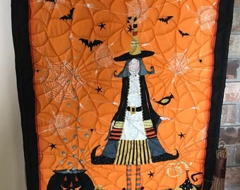Witchy Halloween Wallhanging