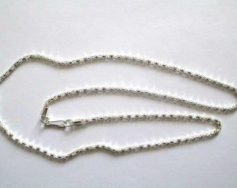 1 necklace 53 cm silver snake chain.