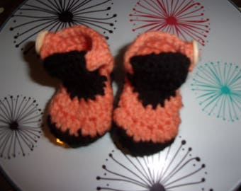 crocheted Sandals handmade in 100% acrylic yarn