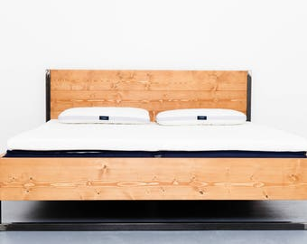 Bed made of recycled timber and steel RUSTREL