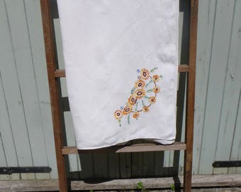 Vintage Linen Embroidered Table Cloth 110x107cm