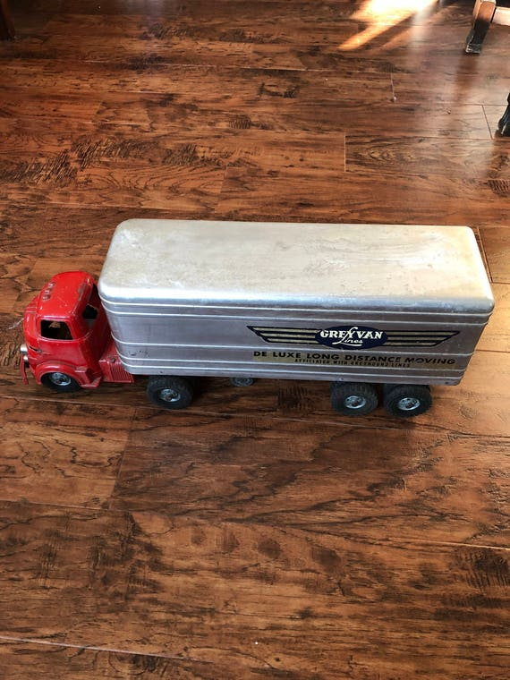 FREE SHIPPING-1952 Wyandotte-Grey Van Lines-Tractor Trailer Truck-24 Inches