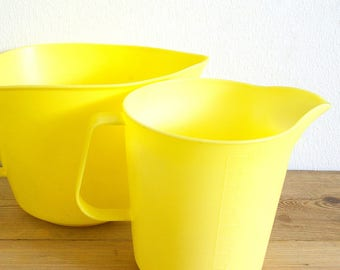 Vintage pitcher jug pair yellow plastic Swedish.Retro Kitchen Measure plastic.Pair jugs pitchers.yellow kitchen decor 1960s.Hammerplast