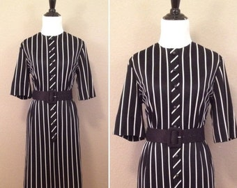 50% Off Sale 1960s black and white stripped 3/4 sleeve Patty Petite dress/ size small medium