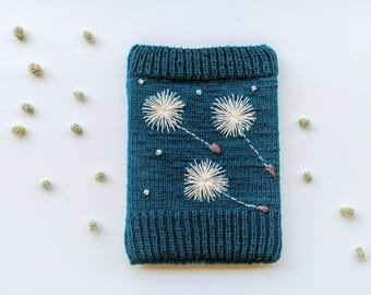 Woollen Hand Knitted Amazon Kindle Book Cover Embroidered With Dandelion, E- book Pouch, Reader & Tablet Case, Electronics Case, E-book Cosy