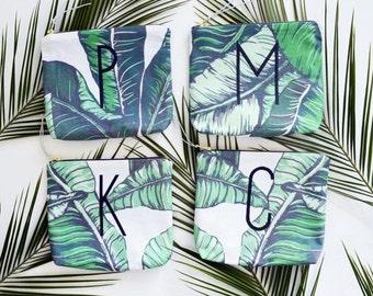 Demoiselle d'honneur cadeau set / ensemble de sacs de maquillage personnalisée avec monogramme / feuille de bananier sacs de maquillage tissu / des faveurs de mariage / impression tropicale personnalisé sacs