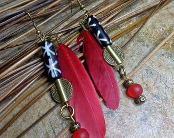 Ethnic earrings red and bronze, bone, glass beads, red feathers and metal color bronze.