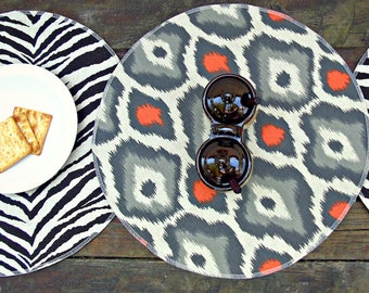 Set of 2 round placemats, traditions damask, village blue and natural, cotton fabric