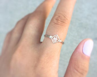 solitaire herkimer diamond ring in silver,chevron diamond ring,art deco ring,diamond shape ring,statement ring,square ring,natural crystal