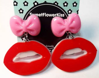 Red lips/Bow/Gift for her/Girly/Stud Earrings/Resin earrings/Resin/Red lipstick/Resin jewelry/Handmade/Cute/Valentine's day/Red heart/Mua