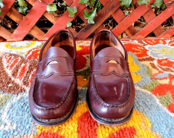 WeeJuns Loafers / womens size 8 EU 39 /   G. H. Weejun Bass Penny Loafers / brown leather loafers / made in USA