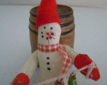 Miniature Snowman ~ Decoration ~ Christmas Decor ~ Rustic Snowman ~ Holiday ~ Handmade ~ Miniature ~ Fairy garden ~ Dollhouse