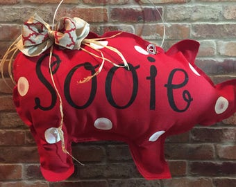 Sooie Pig Door Hanger, Arkansas, Sooie, Door Hanger, Pig Door Hanger, Arkansas Door Hanger, Wreath, Door Decor, Razorbacks Door Decor