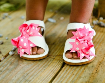 White Leather Squeaky Sandals With Pink Polka Dot Bows Squeaky Shoes