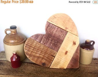 ON SALE Pallet Wood Heart - Mothers Day Gift - Wooden Heart Wedding Guestbook - Rustic Heart Wall Decor - Gift For Grandmother - Barn Weddin