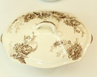 Johnson Brothers England Vegetable Dish with Lid Floral Design