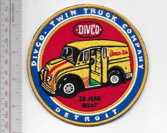 Vintage Trucks Automotive Detroit Industrial Vehicles Company DIVCO Twin 10 Year Dealer Promo Patch