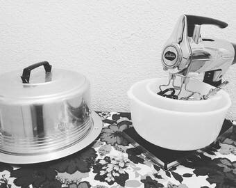 Black and chrome sunbeam mixmaster delux with milk glass mixing bowls rustic/industrial kitchen appliances