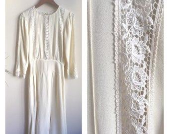 Vintage 1930s Style White Eyelet Lace Wedding Dress Drop Waist 70s 80s does 30s / Vintage Wedding Dress / Vintage White Gown / Wedding Dress