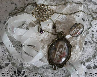 Set necklace and ring illustration painting