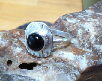 Black Onyx ring 4-10 Onyx and Silver ring