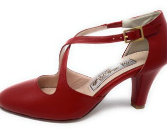 Dance shoe in real leather red color